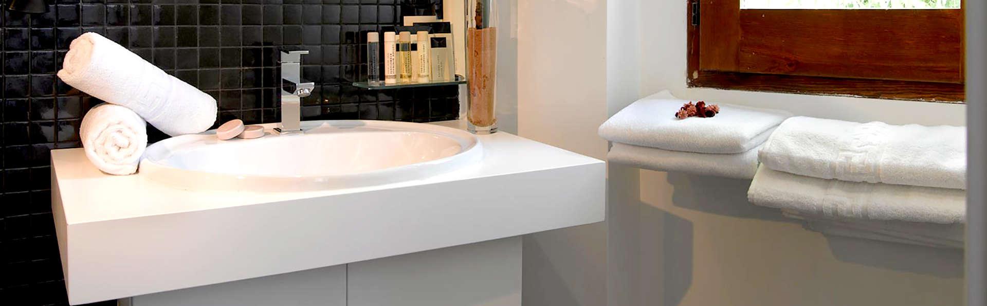 Marquis Hotels Portago - Edit_Bathroom3.jpg