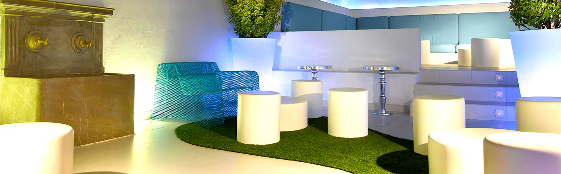 Marquis Hotels Portago - Edit_Lounge.jpg