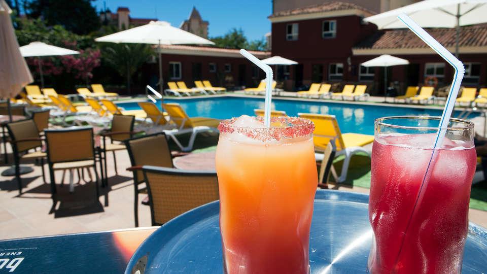 Hotel Ítaca Fuengirola - EDIT_drinkpool.jpg