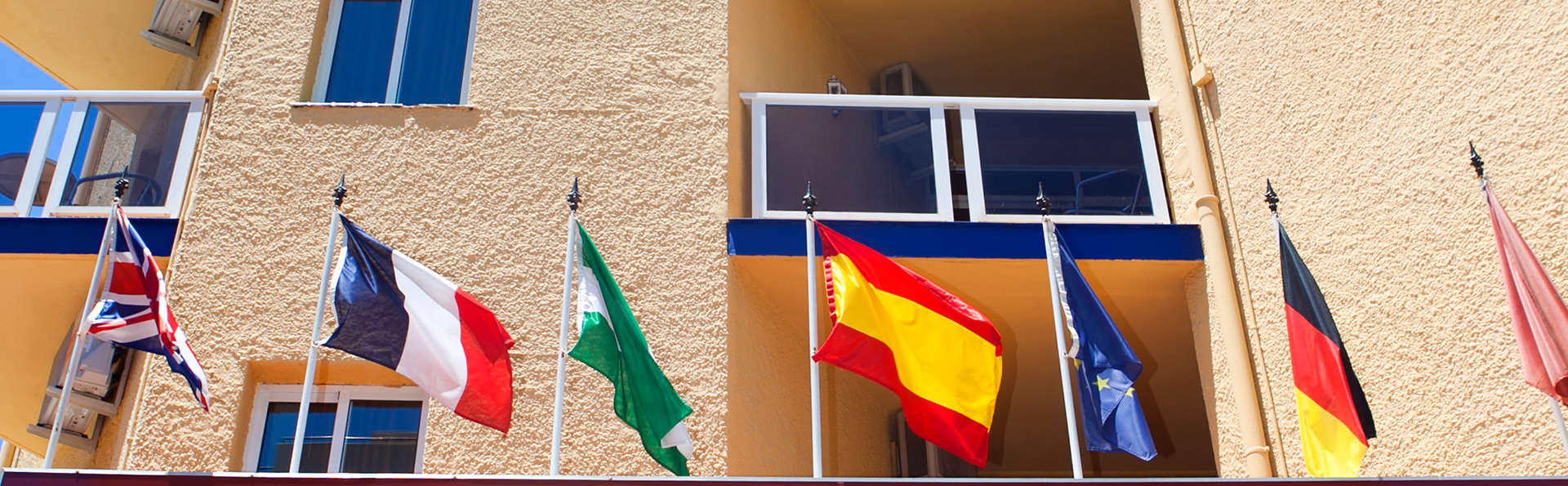 Hotel Ítaca Fuengirola - EDIT_front.jpg