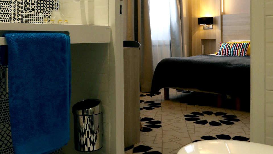 Le Cornouaille Hôtel - Edit_Room8.jpg