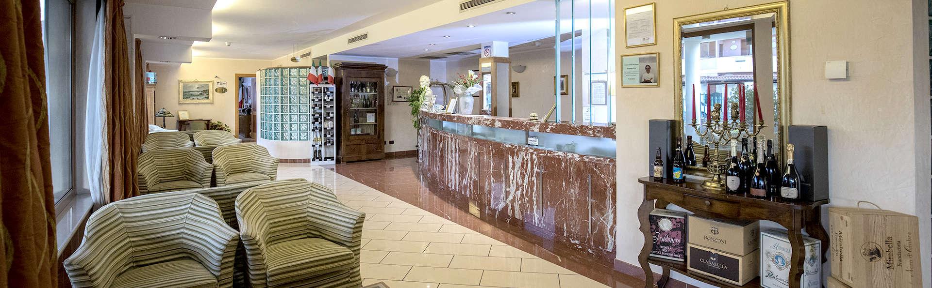 Hotel la Fonte Franciacorta - Edit_Lobby.jpg