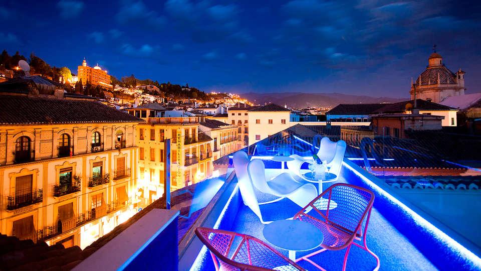Marquis Hotels Urban - Edit_terrace3.jpg