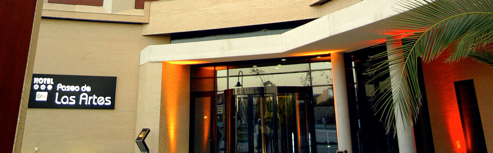 Hotel Las Artes - EDIT_front.jpg