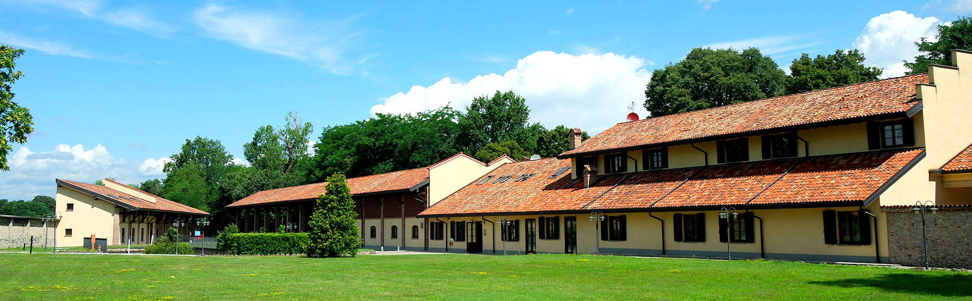 Country Hotel Villa Castelbarco - Edit_Front5.jpg