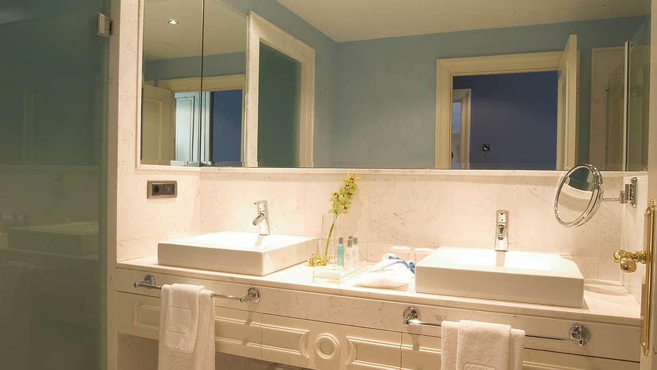 Blancafort Spa Termal - EDIT_bath.jpg