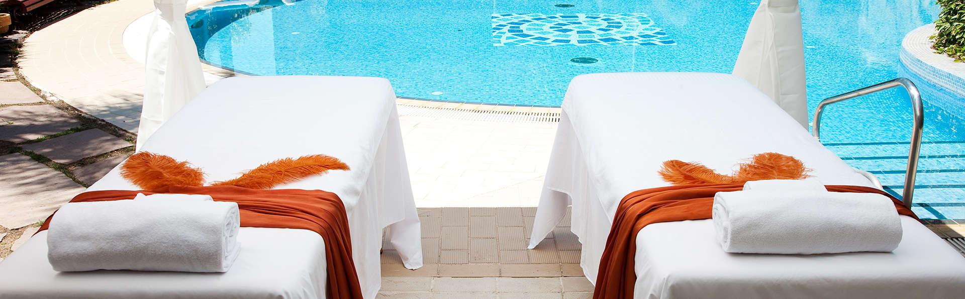 Séjour avec massage de 50 minutes et circuit thermal à la Garriga
