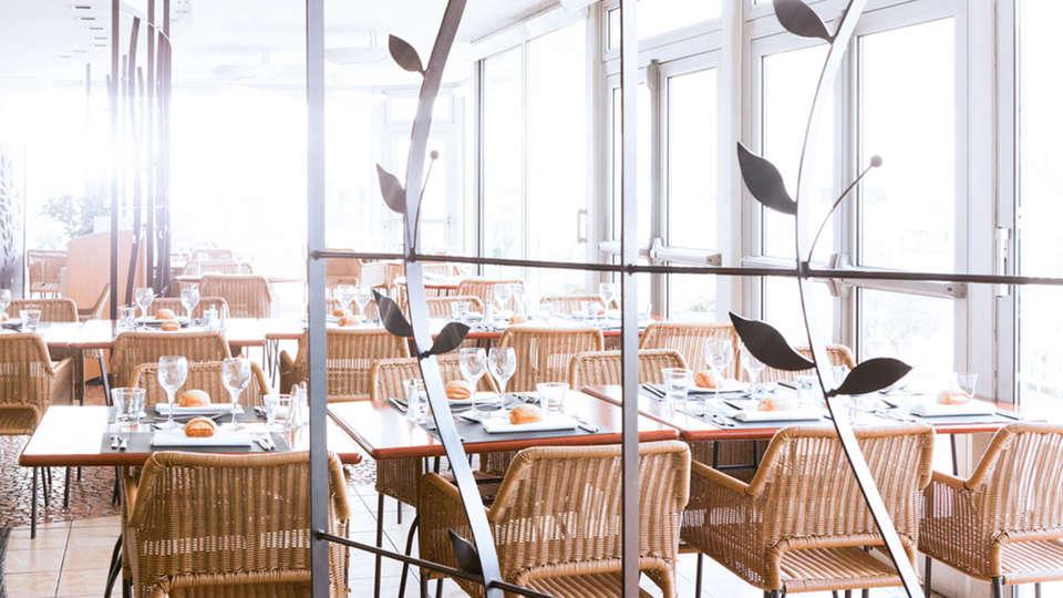 Novotel Amiens Pole Jules Verne - EDIT_restaurant5.jpg