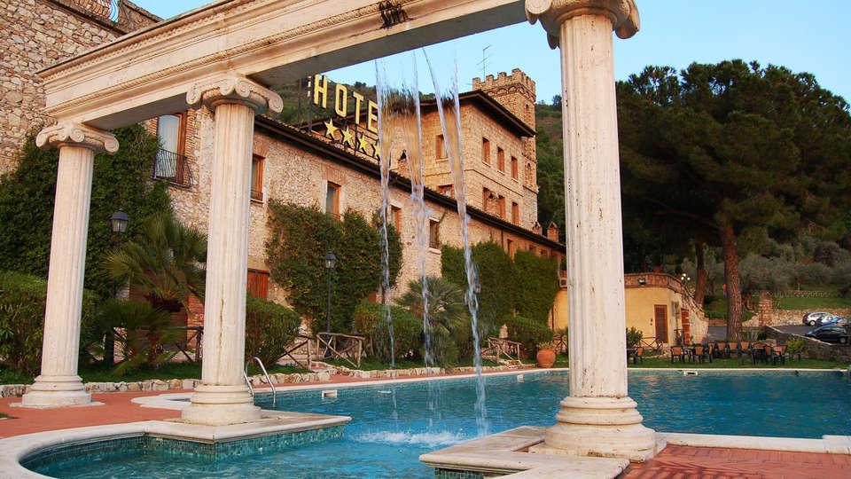 Hotel Torre Sant'Angelo - EDIT_pool1.jpg