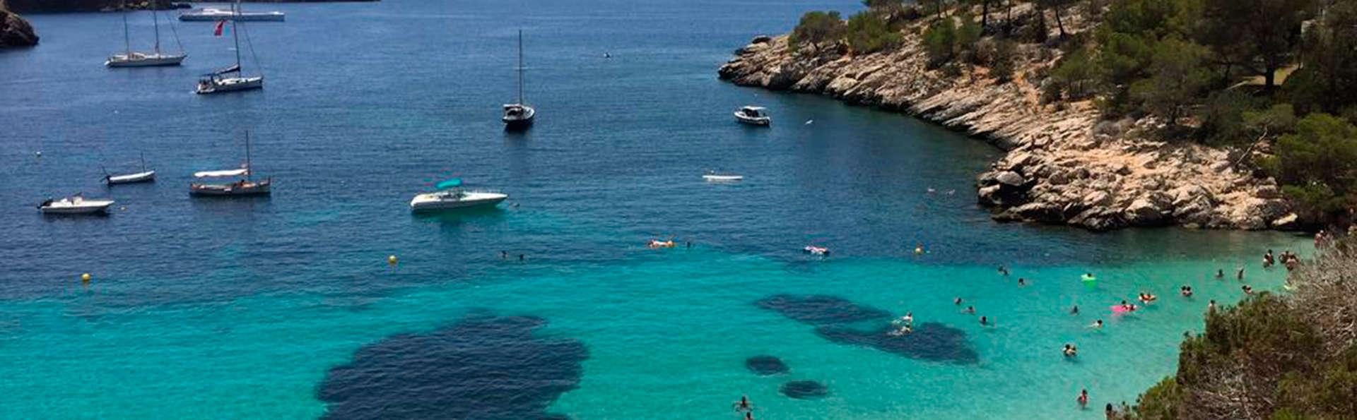 Bain de soleil au bord de la mer Méditerranée sur les plages de Lloret de Mar (à partir de 2 nuits)