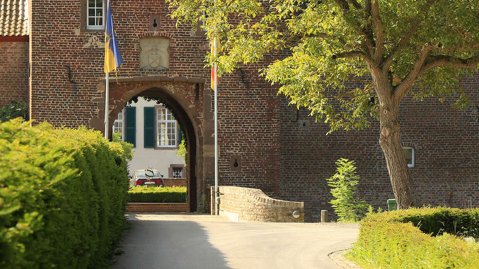 Landidyll Hotel Weidenbrück - EDIT_NEW_exterior.jpg