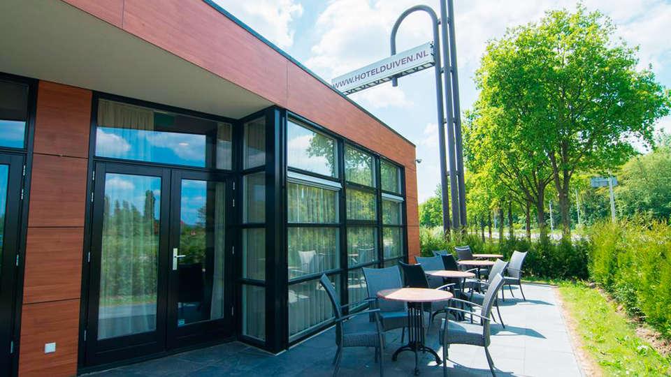 Hotel Gieling - EDIT_terrace.jpg