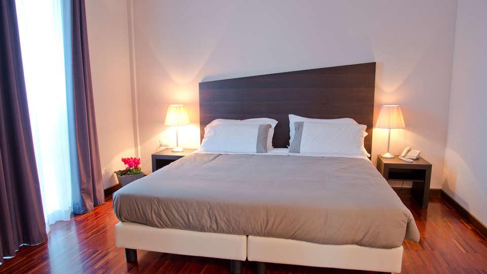 Hotel Cavour - EDIT_room4.jpg