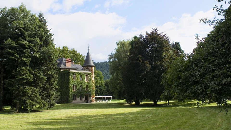 Château de la Tour du Puits - EDIT_NEW_front.jpg