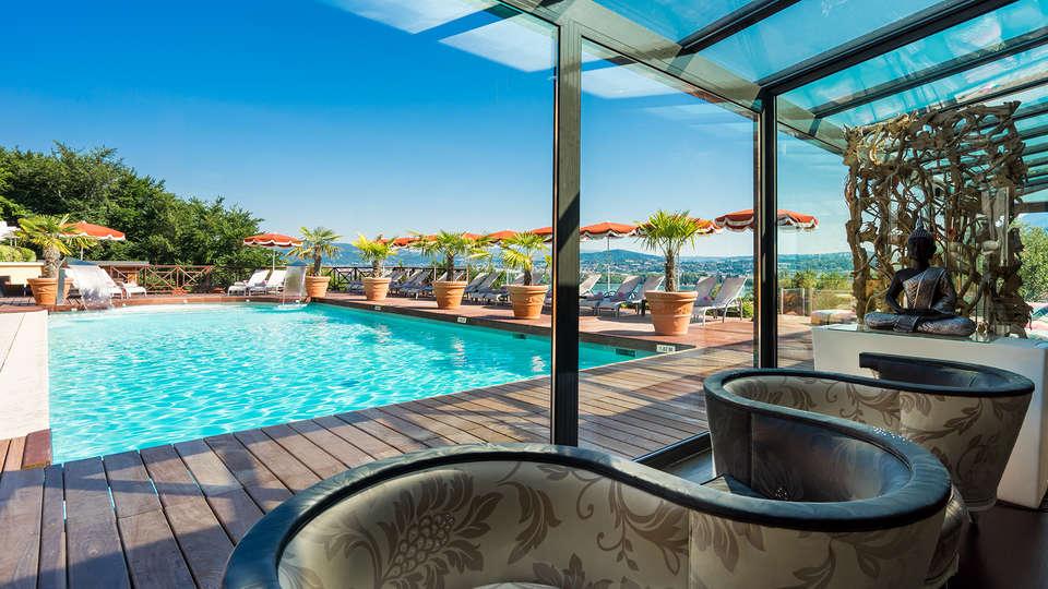 Hôtel les Trésoms Lake and Spa Resort - Annecy - edit_new_spa_detente_piscine.jpg