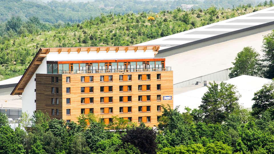 Hotel SnowWorld Landgraaf - EDIT_NEW_front.jpg