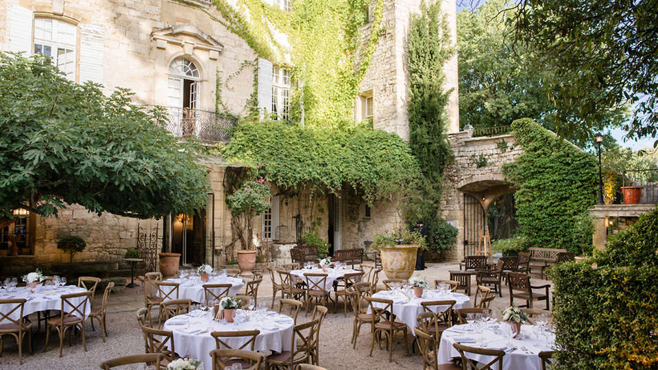 Château d'Arpaillargues - EDIT_NEW_terrace.jpg