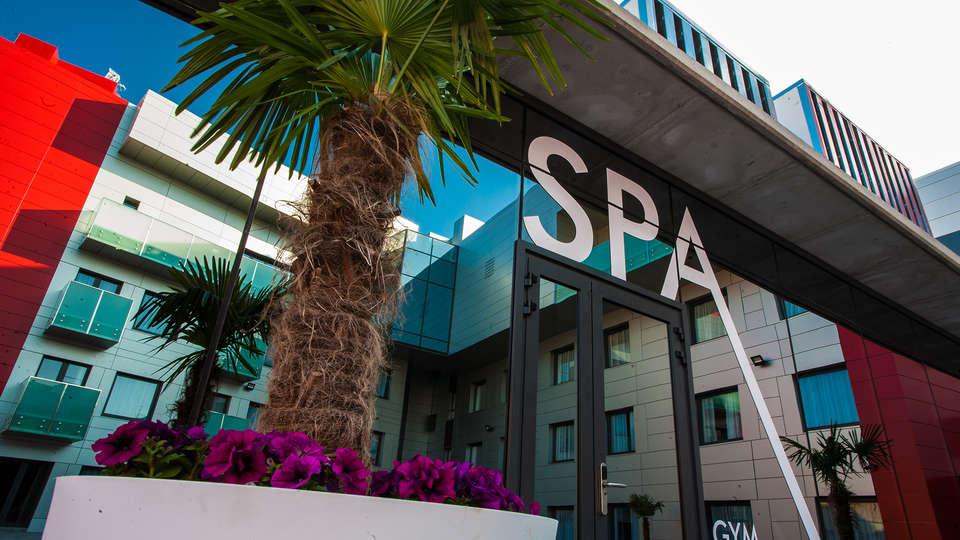 Hotel & SPA Ciudad de Binéfar - EDIT_entryspa.jpg