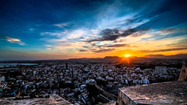 Escapada Low cost En plein cœur d'Alicante avec bouteille de cava