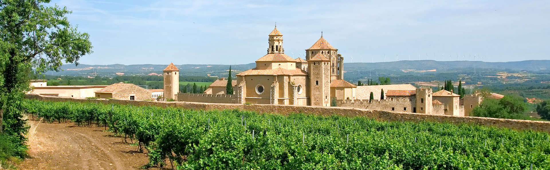 Escapada con visita al Monasterio y a una bodega de la Conca de Barbarà (desde 2 noches)