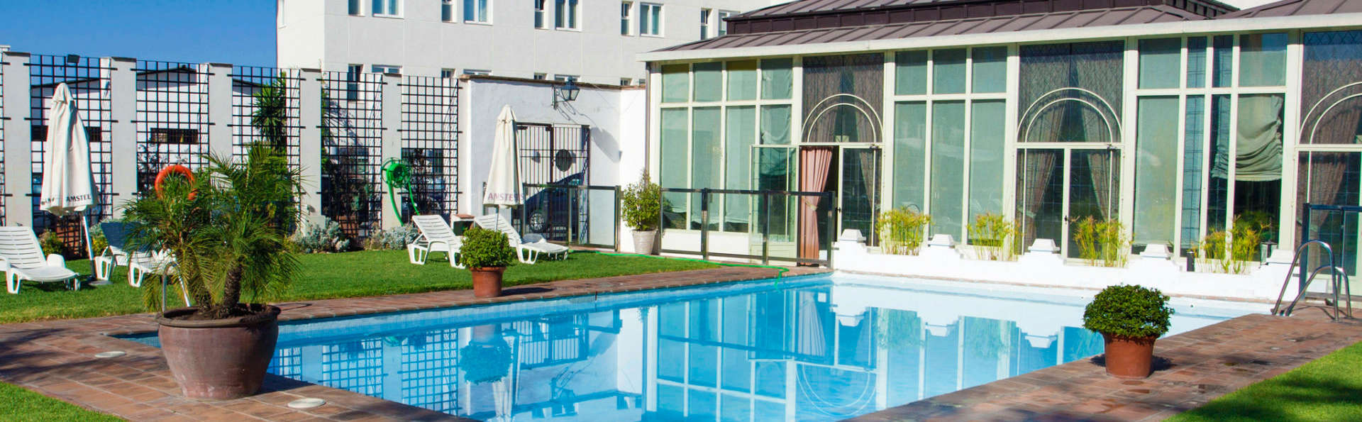 Hotel Oasis - EDIT_pool.jpg