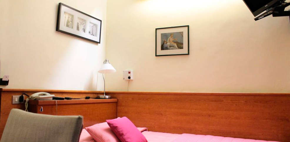 Hotel bernina 3 milan italie for Hotel bernina milano