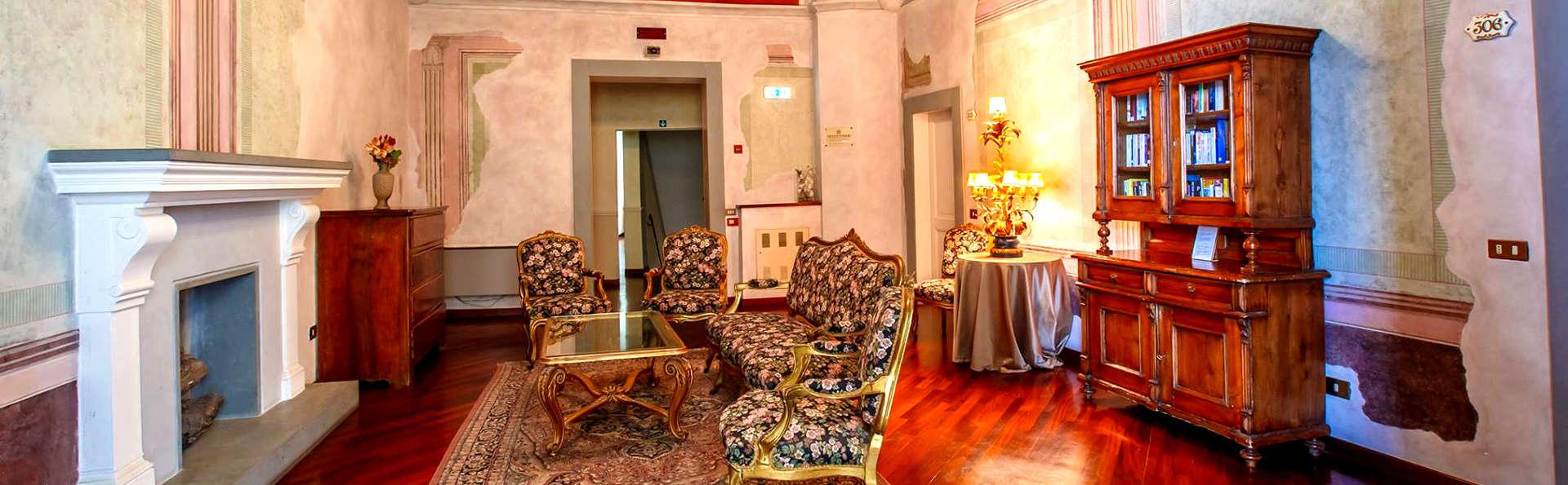 Comfortable palais du XIIIe siècle en plein centre historique de Pérousse