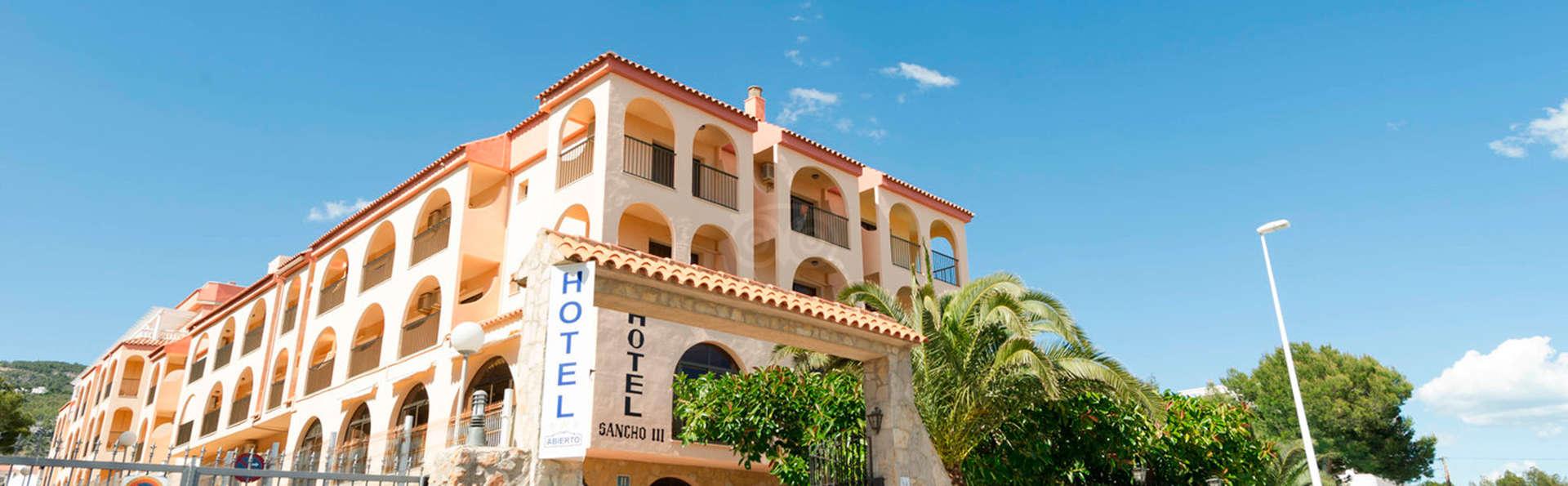 Hotel Sancho III - EDIT_front.jpg
