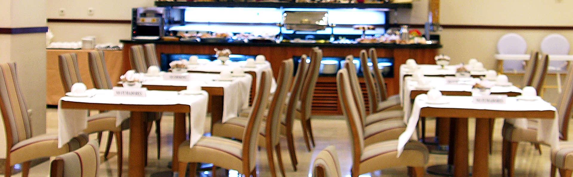 Hotel Vincci Ciudad de Salamanca - EDIT_buffet.jpg