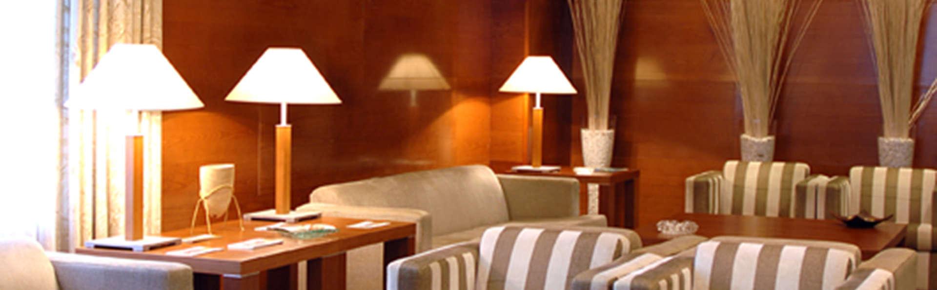 Hotel Vincci Ciudad de Salamanca - EDIT_lobby1.jpg