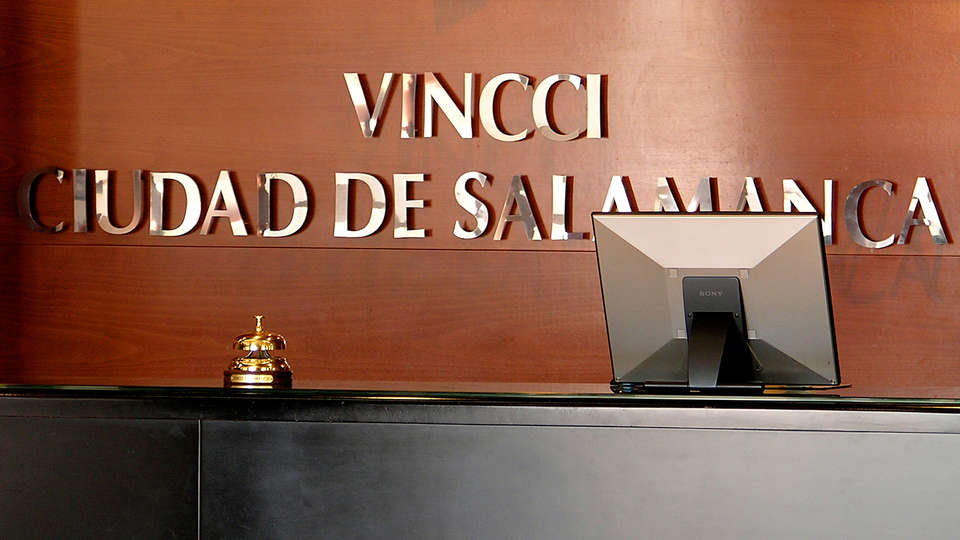 Hotel Vincci Ciudad de Salamanca - EDIT_reception.jpg