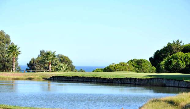 Descansa en un 4* ubicado en el campo de golf de Islantilla, en habitación triple con desayuno