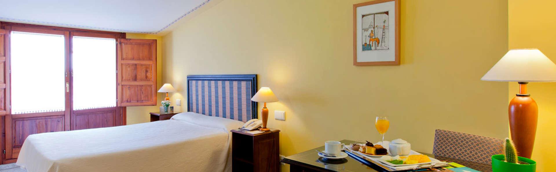 Hotel Ad Hoc Parque Golf - EDIT_room1.jpg