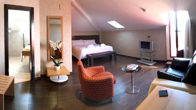 1 noche en junior suite estándar para 2 adultos