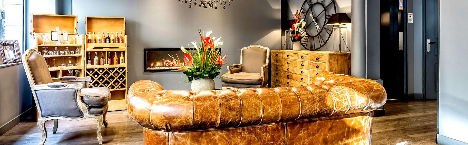 Hôtel Atelier Montparnasse - Edit_Lounge2.jpg