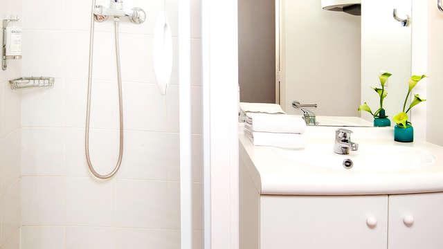 Sejours et Affaires Angers Atrium - Bathroom
