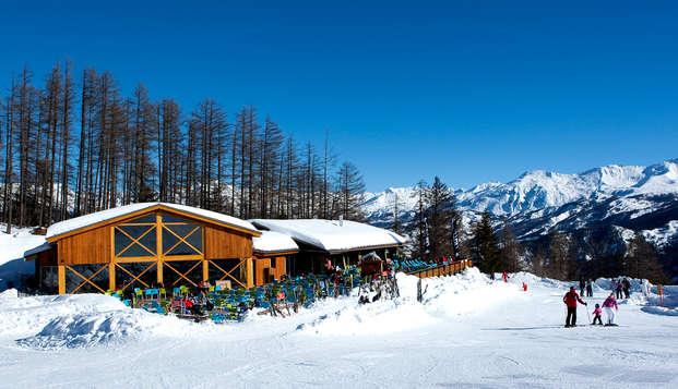 Pensión completa y 2 días de esquí en Praloup