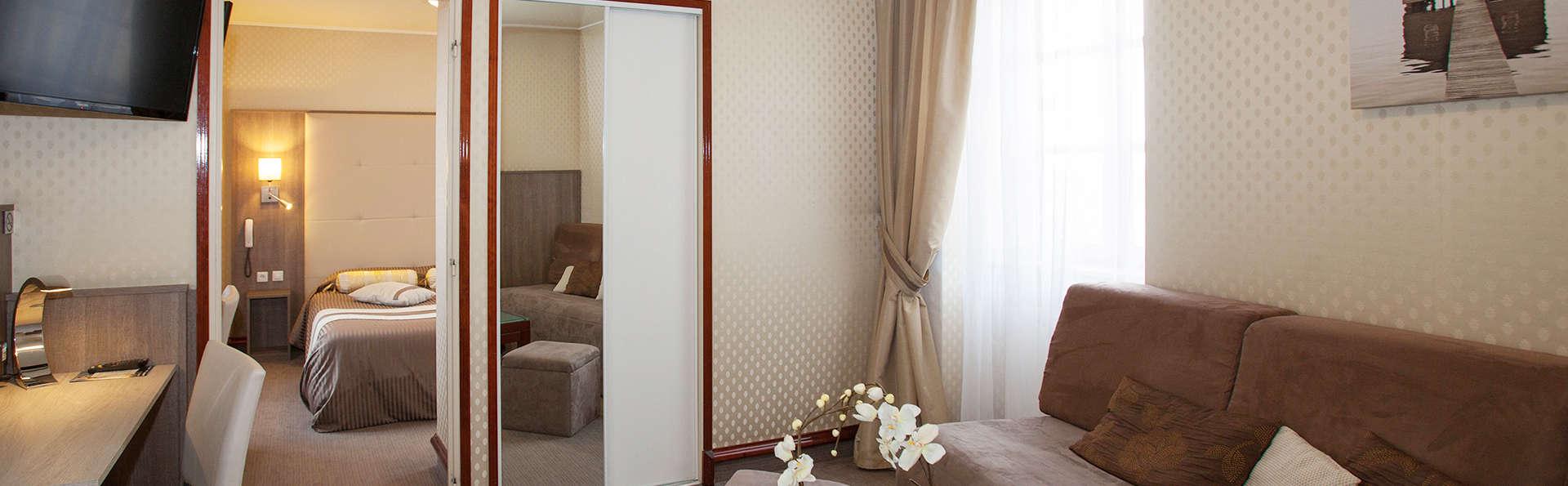 Hôtel Le Challonge - EDIT_room1.jpg