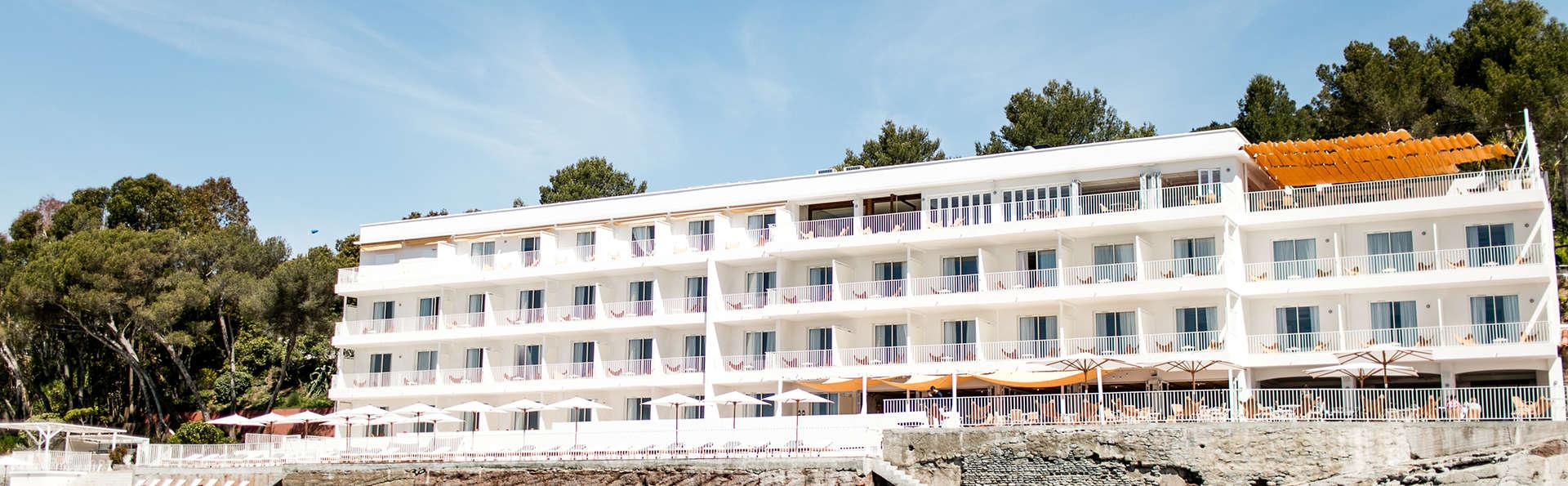 Hôtel Les Roches Rouges - EDIT_NEW_front1.jpg
