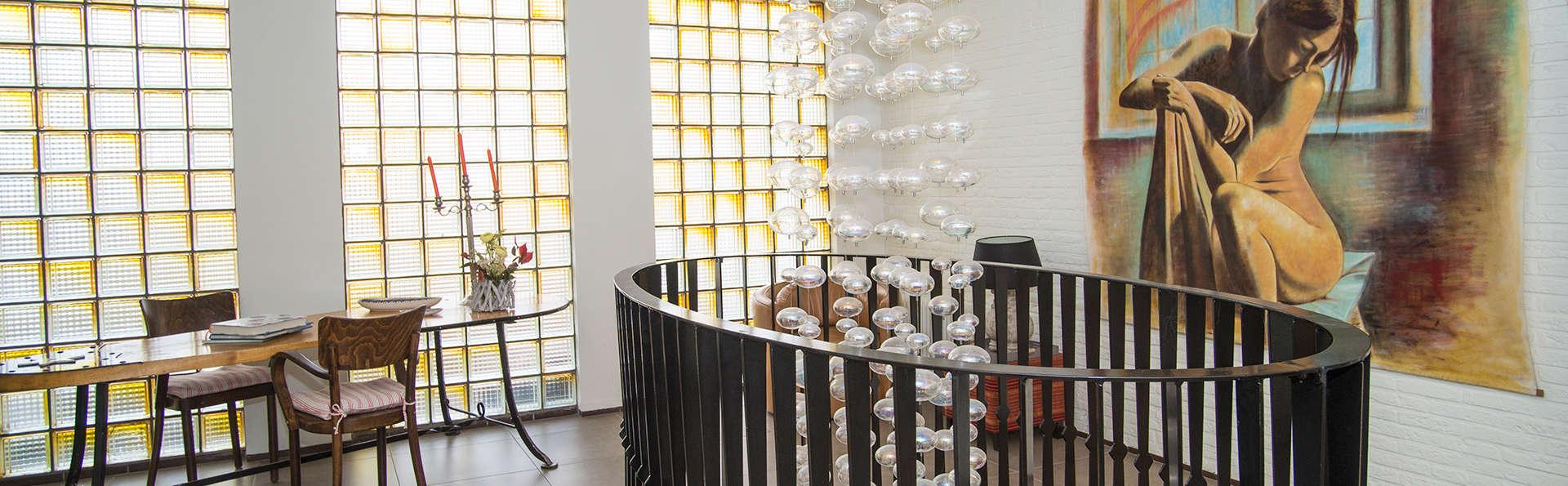 Hotel Wymerts - EDIT_NEW_interior1.jpg