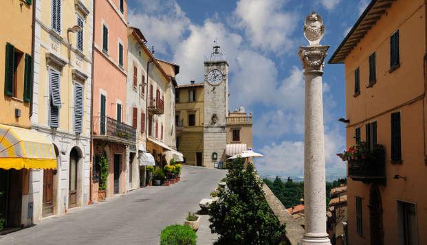 Relax en el corazón de la Toscana: Chianciano Terme con acceso a las piscinas Theia