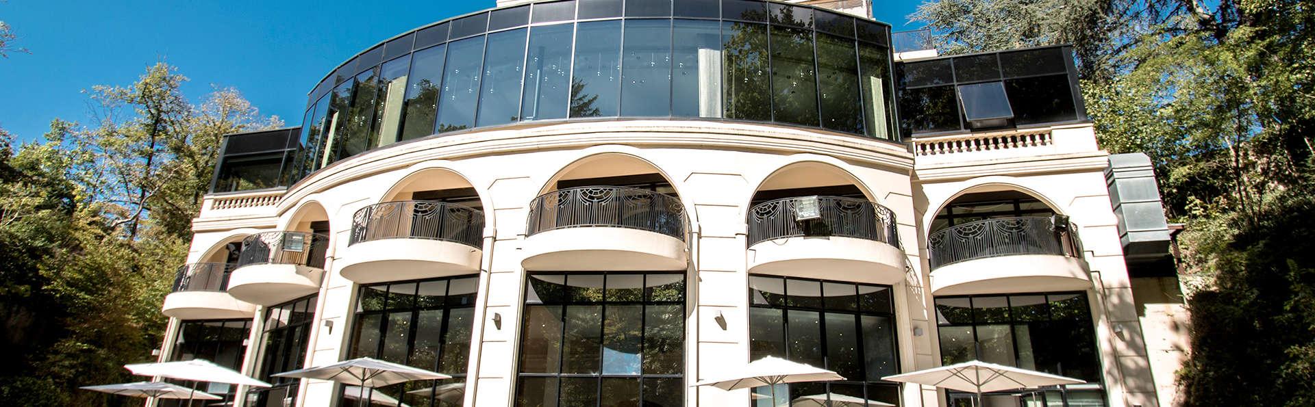 Casino real con cena en un hotel de 5* cerca de Lyon