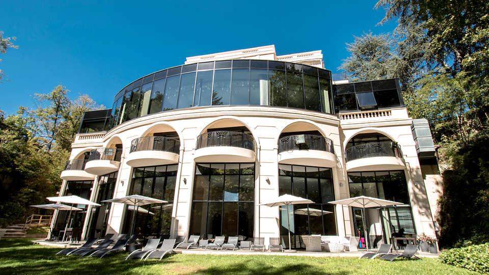 Hôtel & Spa Le Pavillon  - Edit_Front2.jpg