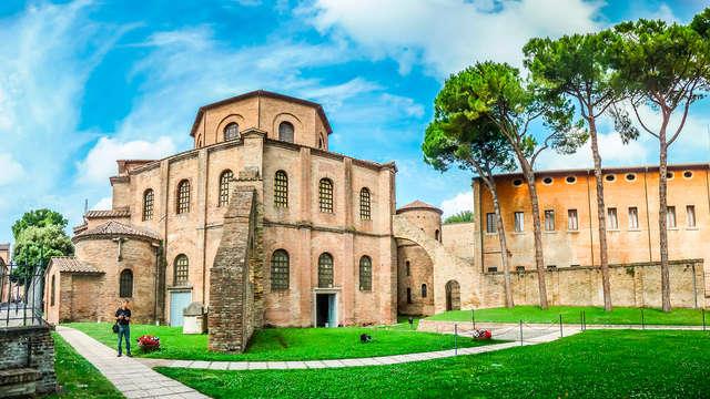 Encanto y elegancia 4* en el centro de Rávena, al norte de Italia (no reembolsable)