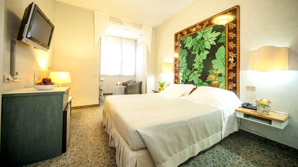Hotel Bisanzio - Edit_Room3.jpg