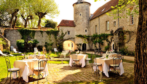 Le Relais Louis XI - Terrace