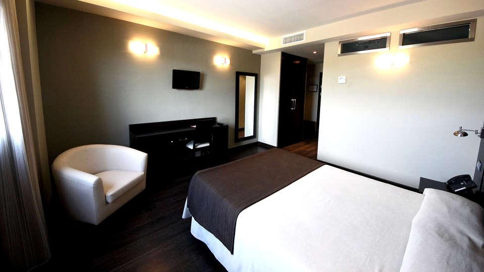 Hotel Château Viñasoro - Edit_Room5.jpg