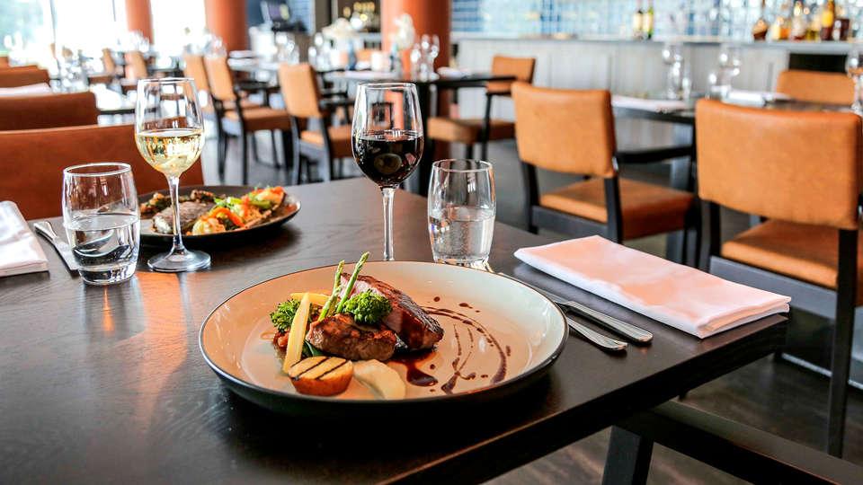 Fletcher Hotel-Restaurant Leidschendam-Den Haag - Edit_Diner2.jpg