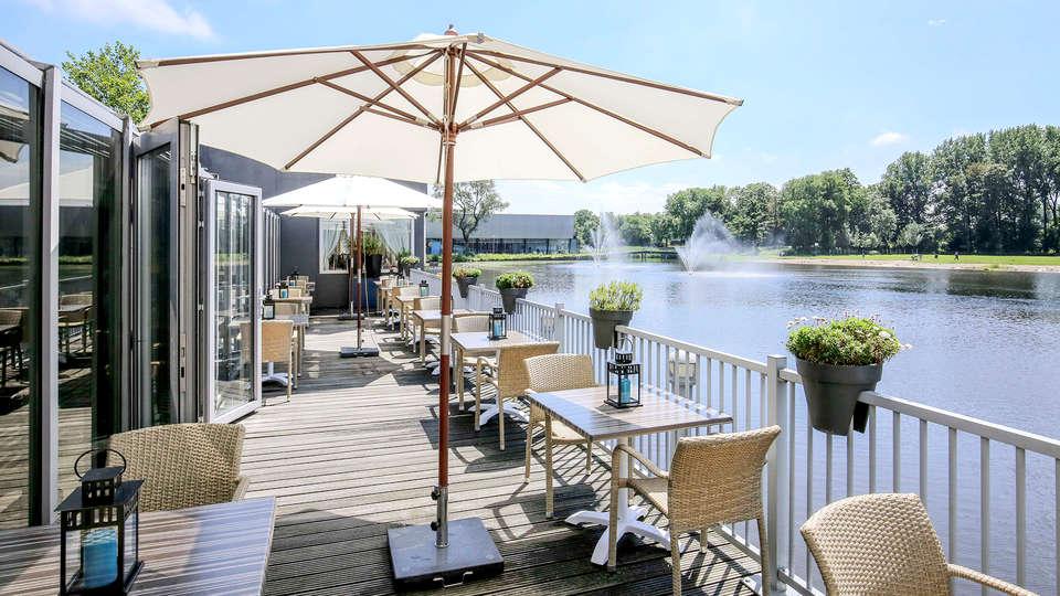 Fletcher Hotel-Restaurant Leidschendam-Den Haag - Edit_Terrace2.jpg