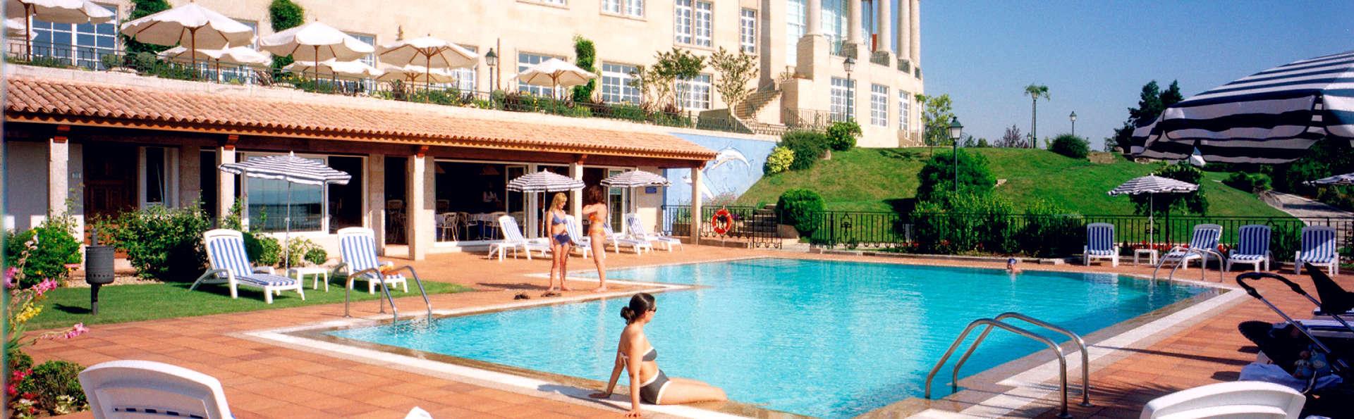 Gran Hotel Los Abetos 4* Superior - Edit_Pool.jpg